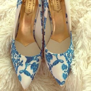New GORGEOUS Ted Baker pumps
